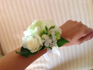 Ladies Wristlet Corsage: Spray Roses, Hydrangea and Freesia